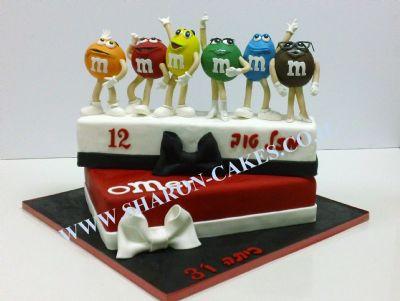 עוגות לבנים m&m cake