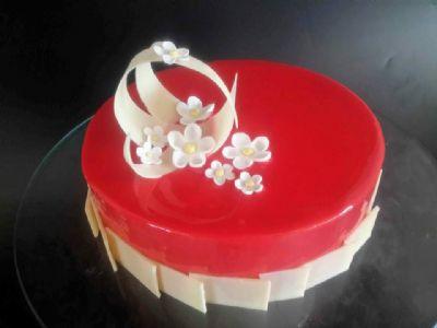 עוגת מוס עם גליז
