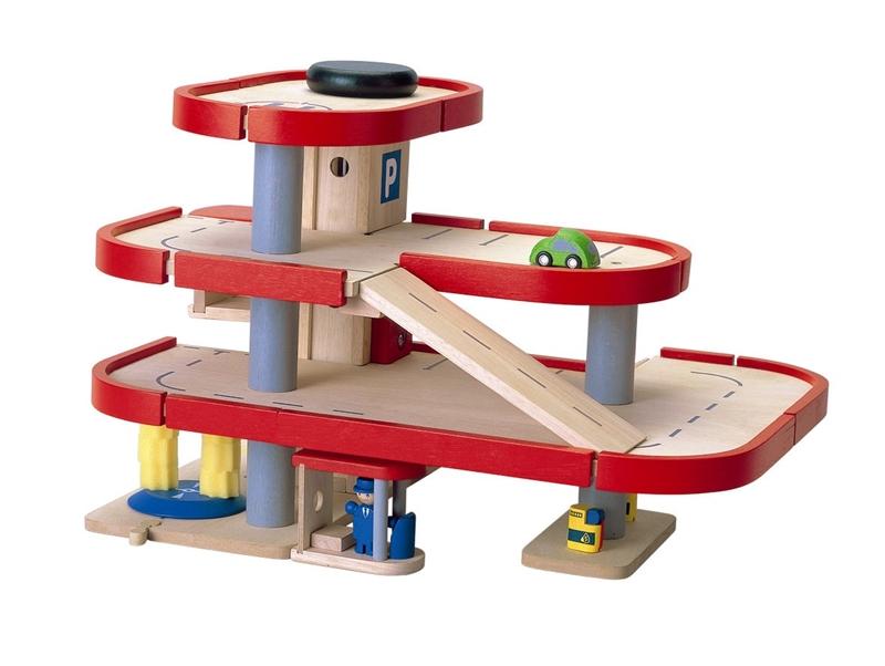 Детский гараж из дерева для машинок