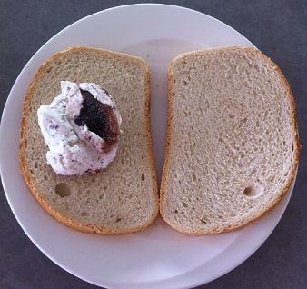 גלידה מטוגנת בלחם