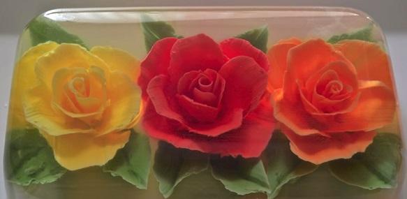 ג'לי עם פרחים תלת ממדיים