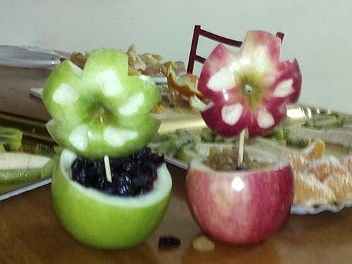 תפוחים חתוכים כעציץ