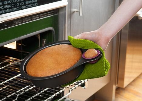 תבנית לעוגה שמאפשרת לטעום ממנה בלי להרוס את הצורה