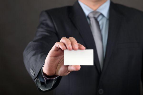 """עוזר מנכ""""ל עם תעודות"""