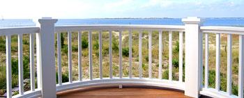 מעקה עגול למרפסת