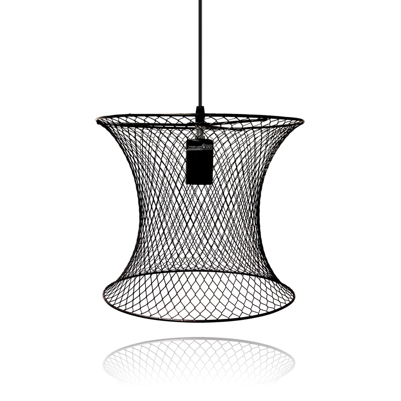 גוף תאורה כלוב ממתכת שחורה בעיצוב מיוחד