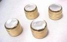 כפתור מתכת זהב+ אינליי פנינה פרקסונס PARKSONS NSP01GD